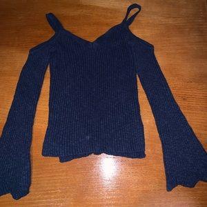 Euc Aeropostale bell sleeve off shoulder sweater